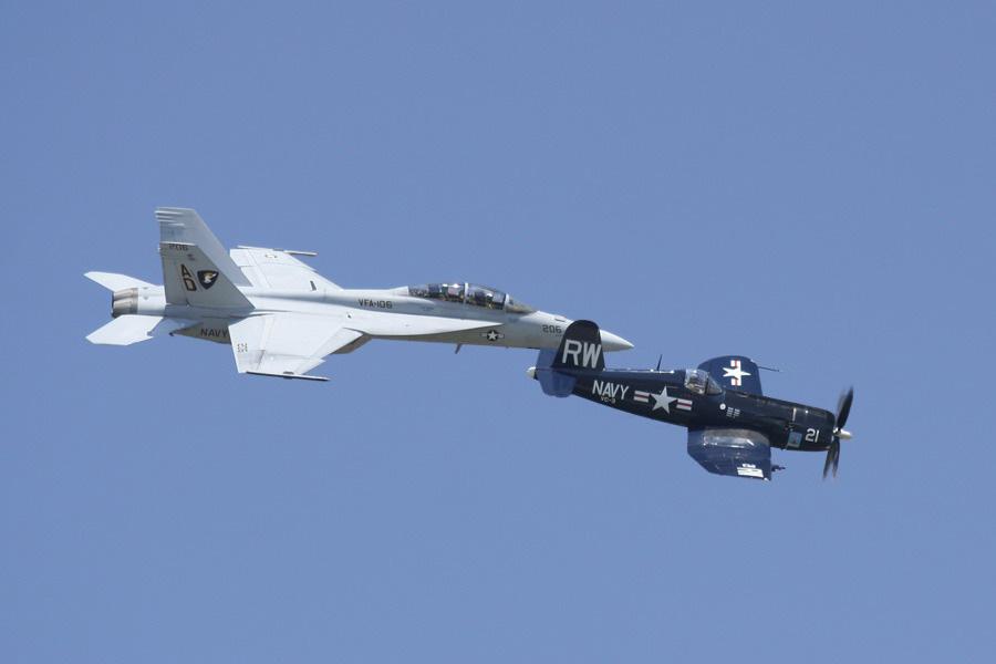 IMAGE: http://www.sallee.org/greg/airshow/airshow-007.jpg